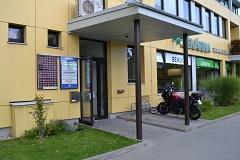 Budova MEDISPOL vedlejší vchod