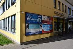 Budova MEDISPOL reklamní panel